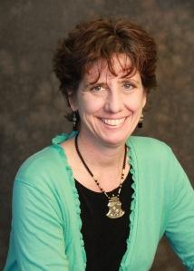 Cynthia Whitehead, MD, PhD est la nouvelle directrice du Wilson Centre for Research in Education à la Faculté de médecine de l'Université de Toronto. Ses recherches sont axées sur l'analyse critique du discours portant sur divers aspects de la formation offerte aux professionnels de la santé; elle s'intéresse aussi particulièrement à l'histoire de l'éducation médicale.